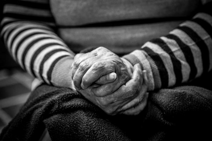 arthritis in elderly hands